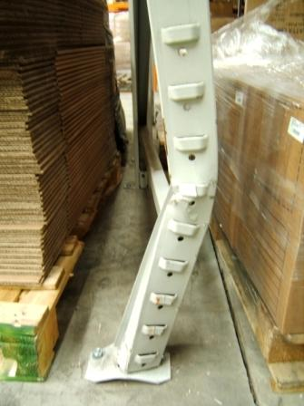 damaged pallet racking upright